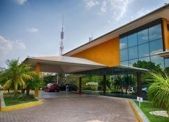 Hotel Girassol Plaza - Palmas - Building