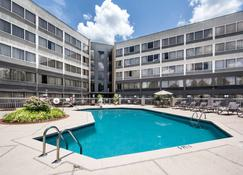 DoubleTree by Hilton Columbus - Columbus - Pool