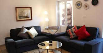 Large, modern, group friendly apartment in the heart of Granada - Granada - Wohnzimmer