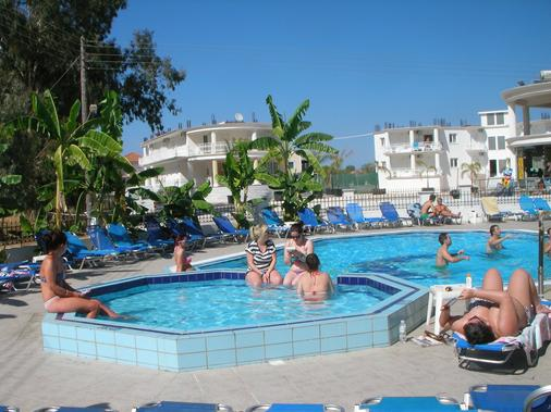 Mariana Hotel - Zakynthos - Bể bơi