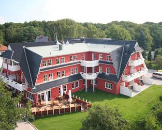 Strandhotel Deichgraf - Seeheilbad Graal-Müritz - Gebouw