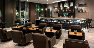 AC Hotel by Marriott Boston Cleveland Circle - Boston - Bar