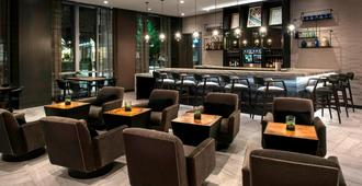 AC Hotel by Marriott Boston Cleveland Circle - בוסטון - בר