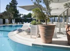 Alasia Hotel - Лімасол - Басейн