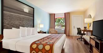 Super 8 by Wyndham, Florida City/Homestead/Everglades - Florida City - Bedroom