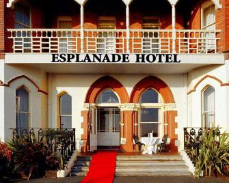 Esplanade Hotel On The Seafront - Bray - Building