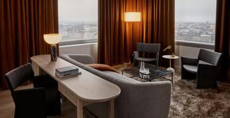 Original Sokos Hotel Tripla - Helsinki - Living room