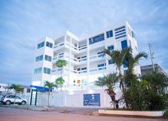 Hosteria la Costanera - Salinas (Santa Elena) - Edificio