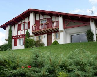 Chambres d'Hôtes Garicoitz - Saint-Jean-Pied-de-Port - Building