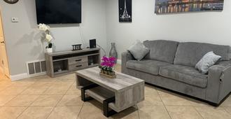 Everything Is Brand New / Full Remodeling - Sacramento - Sala de estar