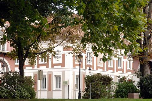 Best Western Hotel de la Bourse - Mulhouse - Toà nhà