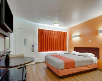 Motel 6 Muskogee - Muskogee - Bedroom