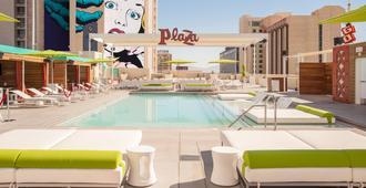 Plaza Hotel & Casino - לאס וגאס - בריכה
