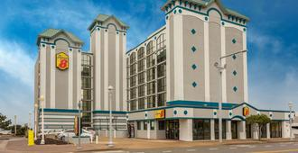 Super 8 by Wyndham Virginia Beach Oceanfront - Virginia Beach - Edificio