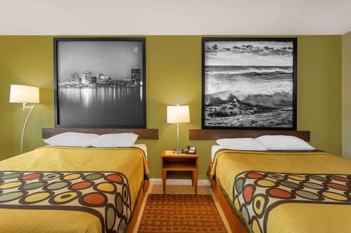 Super 8 by Wyndham Virginia Beach Oceanfront - Virginia Beach - Makuuhuone