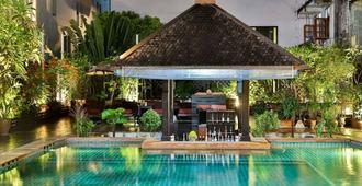 Sunbeam Hotel Pattaya - Pattaya - Piscina