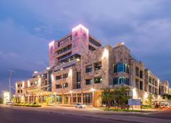 Protea Hotel by Marriott Gaborone Masa Square - Gaborone - Building
