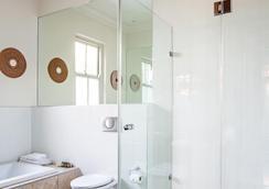 The Winston Hotel - Johannesburg - Phòng tắm