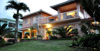 Kingston House B&B - אמהלאנגה