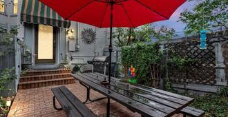 Cap Hill 3-Bedroom Garage Parking With Backyard - Denver - Patio
