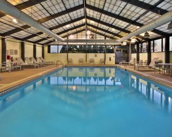 SpringHill Suites by Marriott Chicago Warrenville - Warrenville - Zwembad