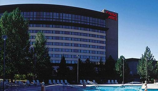 Cactus Petes Resort Casino & Horseshu Hotel and Casino - Jackpot - Building