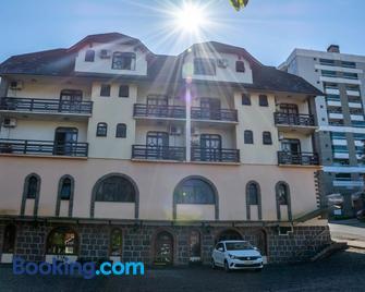 Via Genova Parque Hotel - Serafina Corrêa - Building