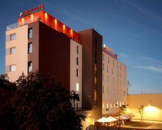 Hotton Hotel - Gdynia - Building