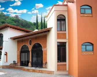 Resort Y Balneario Los Angeles - Taxco - Gebouw