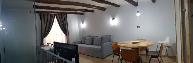 Portanova - Naples - Dining room