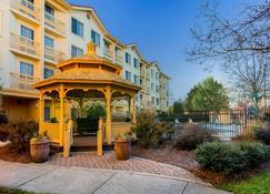 La Quinta Inn & Suites by Wyndham Raleigh Durham Intl AP - Morrisville - Edifício