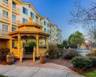 La Quinta Inn & Suites by Wyndham Raleigh Durham Intl AP - Morrisville - Будівля