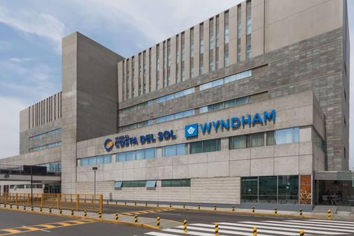 Wyndham Costa del Sol Lima Airport - Lima - Toà nhà