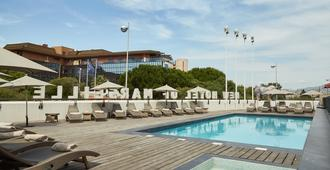 New Hotel of Marseille - Marsella - Piscina