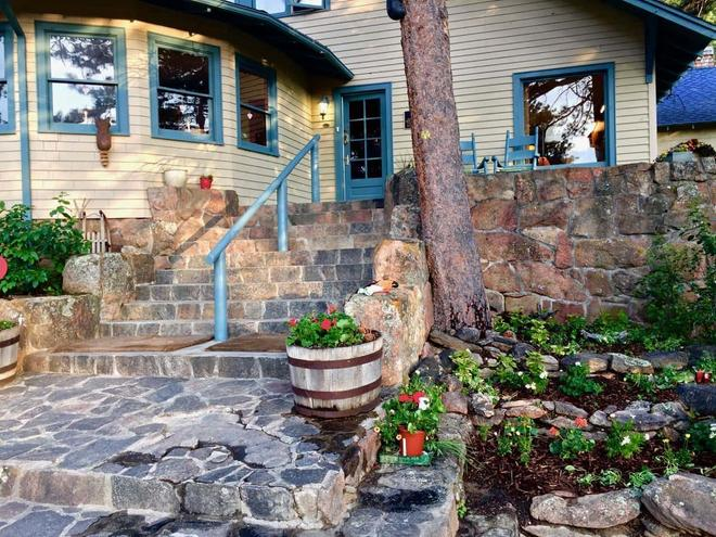 Romantic Riversong Bed & Breakfast Inn - Estes Park - Näkymät ulkona