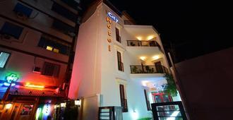 地拉那城市酒店 - 地拉那 - 地拉那 - 建築