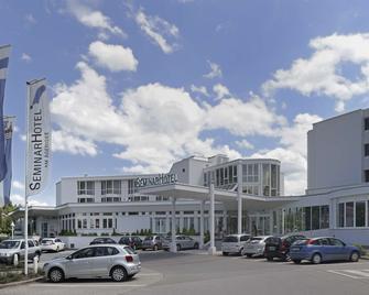 Top Seminarhotel Am Aegerisee - Unterägeri - Building