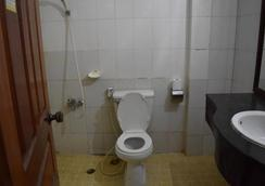 Les Parigots Guesthouse - Siem Reap - Phòng tắm
