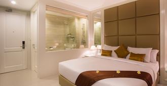 Amalfi Hotel Seminyak - Denpasar - Habitación