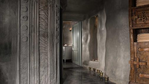 Andronis Boutique Hotel - Thera - Hallway