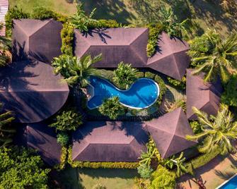 The Village Coconut Island - Ko Kaeo - Zwembad