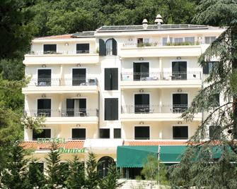 Hotel Danica - Petrovac - Building