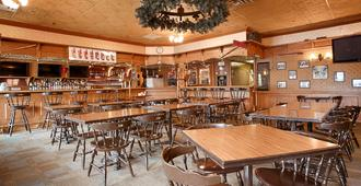 Best Western Gold Rush Inn - Whitehorse - Bar
