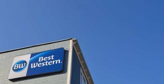 Best Western Gold Rush Inn - Whitehorse - Building