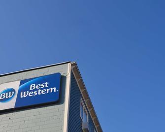 Best Western Gold Rush Inn - Whitehorse - Building
