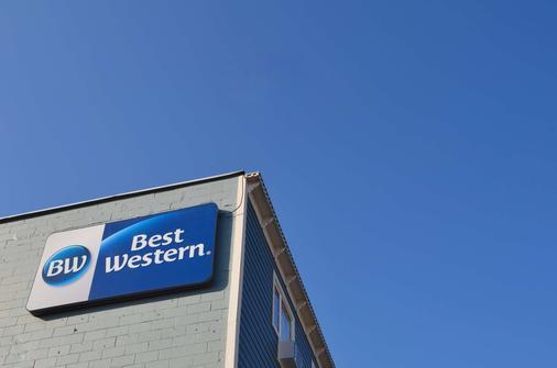 Best Western Gold Rush Inn - Whitehorse - Gebäude