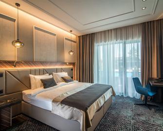 Sky Blue Hotel & Spa - Плоєшті - Спальня
