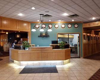Tamarack Motor Inn - Rocky Mountain House - Front desk