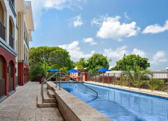 Courtyard by Marriott Bridgetown, Barbados - Bridgetown - Zwembad