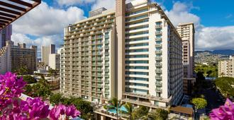 Hilton Garden Inn Waikiki Beach - Honolulu - Building
